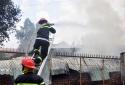 Cảnh báo từ vụ cháy lớn thiêu rụi xưởng giày, dép giữa trưa ở Đồng Nai