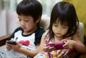 Hàng nghìn ứng dụng trên điện thoại đang ngầm theo dõi trẻ em