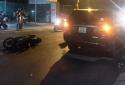 Tai nạn giao thông ngày 23/5: Xe tải mất lái lao xuống cống, bố đập cửa cứu con trai