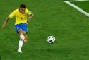Xem lại siêu phẩm xé toạc mảnh lưới đối thủ của Coutinho trong trận Brazil vs Thụy Sĩ