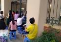 Kì thi THPT quốc gia 2018: Con đi thi, phụ huynh cũng đứng ngồi không yên
