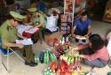 Lạng Sơn: Nhiều cơ sở kinh doanh kẹo, đồ chơi vi phạm kinh doanh hàng hóa
