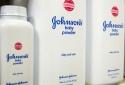 Tập đoàn Johnson & Johnson đang lao đao vì 'giấu nhẹm' sự thật kinh khủng về phấn rôm trẻ em