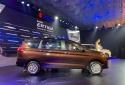 Ô tô Suzuki 7 chỗ đẹp long lanh giá chỉ 499 triệu đồng 'cháy' đơn tại Việt Nam