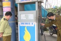'Tuýt còi' một cơ sở kinh doanh xăng dầu không có giấy chứng nhận đủ điều kiện