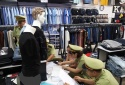 Phạt một cơ sở 16 triệu đồng do vi phạm kinh doanh quần áo giả mạo nhãn hiệu