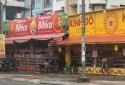 TP.HCM: Treo biển 'mua 1 tặng 1', cửa hàng bánh trung thu vẫn đìu hiu khách