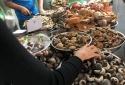 Hiểm họa khôn lường từ thịt ốc, cá khoai tẩm ướp chất bảo quản