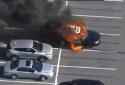 Suýt chết vì vừa hút thuốc vừa dùng nước rửa tay kháng khuẩn trong ô tô