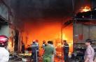 Cháy nhà 4 người chết ở Bình Dương: Đến chết, mẹ vẫn ôm con trong lòng