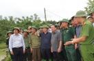 Phó Thủ tướng Trịnh Đình Dũng đến hiện trường chỉ đạo công tác cứu nạn tại Hòa Bình