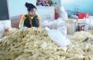 Hãi hùng quy trình làm trắng măng bằng nước tẩy quần áo