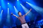 Bố mẹ Khắc Việt nghẹn ngào trong clip chúc mừng sinh nhật con trai cưng