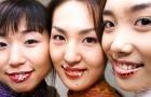 Dự báo kinh tế bằng màu son môi phụ nữ