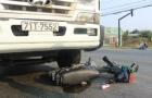 Bị cuốn vào gầm xe tải vẫn may mắn thoát chết