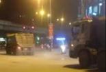 Xe tải chạy rầm rầm trong giờ cao điểm giữa trung tâm Hà Nội