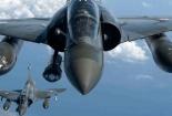 Chiến cơ Pháp dội bom không kích đầu não IS ở Syria