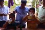 Clip: Hai bé 7 tuổi Việt Nam thi uống bia lên báo nước ngoài