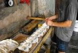 Phát hiện 2 cơ sở sử dụng thạch cao trong sản xuất đậu phụ