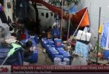 Video: Kinh hoàng hơn 1.000 lít rượu không rõ nguồn gốc ẩn trong kho phế liệu