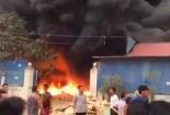 Cháy lớn tại Hưng Yên biển lửa bao trùm kho phế liệu