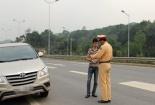 Người điều khiển ô tô bị phạt tiền và tịch thu GPLX từ 1-3 tháng trong trường hợp nào?