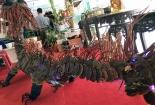 'Con rồng' từ nấm lim xanh giá 100 triệu hiếm có tại phiên chợ sâm ở Quảng Nam