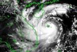 Tin mới nhất bão số 10 - cơn bão mạnh nhất trong nhiều năm qua tiến vào bắc Trung Bộ