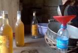 Rùng mình với quy trình sản xuất... mật ong hóa chất