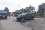 Quảng Ninh: Thiếu quan sát khi quay đầu, xe bán tải bị tông nát khiến QL18 ùn tắc