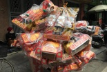 Thị trường đồ lễ ông Công ông Táo tại Hà Nội
