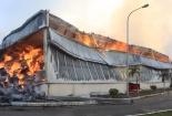 Nhiều xe cứu hỏa Trung Quốc giúp dập lửa ở khu công nghiệp Quảng Ninh