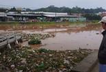 Hồ Xuân Hương ngập rác thải sau cơn mưa lớn