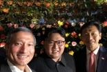 Bức ảnh Kim Jong-un chụp ảnh tự sướng khiến nhiều người thích thú