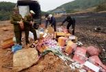Tiêu hủy 2 tấn rượu, thuốc và hàng hóa không rõ nguồn gốc xuất xứ
