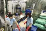 Kinh hoàng khi thâm nhập cơ sở sản xuất nước muối sinh lý kém chất lượng