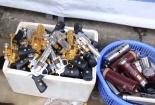 Tràn lan cửa hàng bán đồ chơi bạo lực tại chùa Hương