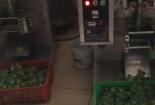 Đột nhập làng sản xuất thạch rau câu siêu bẩn
