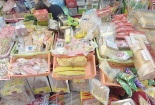 Hà Nội: Phát hiện lô hàng bánh kẹo và đồ chơi Trung Quốc nhập lậu