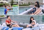 Nghỉ dài ngày, nhiều gia đình đưa bé đi 'đón hè sớm' ở những thiên đường nắng ấm