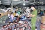 Hải Dương: Phát hiện cơ sở sản xuất mũ bảo hiểm nhái nhãn hiện
