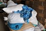 Phát hiện cơ sở tái chế găng tay y tế bằng chất tẩy rửa