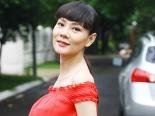 'Bỏng mắt' với hình ảnh bà bầu quyến rũ nhất của showbiz Việt