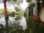 Hà Nội: 5 ngày sau bão số 3, nhiều nhà dân vẫn ngập úng