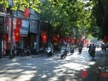 Ngày Quốc khánh 2/9: Phố phường Hà Nội đỏ rực cờ hoa