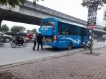 Hà Nội: Xe khách ngang nhiên dừng đỗ, đón khách dọc đường