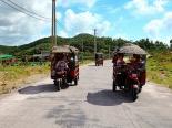 Quảng Ninh: Lật xe túc túc chở khách du lịch, 9 người bị thương