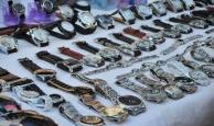 Ma trận 'đồng hồ chính hãng': Bỏ tiền thật mua đồ giả?