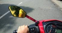 http://vietq.vn/tu-che-guong-chieu-hau-xe-mo-to-chang-khac-nao-dua-voi-tu-than-d179052.html