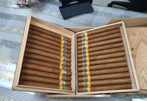 Hải quan sân bay tạm giữ lô hàng xì gà số lượng lớn